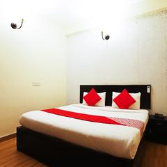 OYO 11521 Livin Hub in Noida