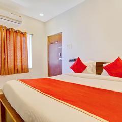 OYO 11670 Hotel Vishnu Priya Residency in Sururnagar