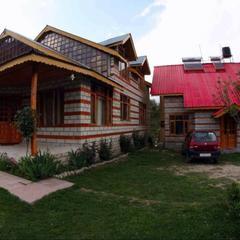 OYO 13679 Crc Paramount Cottage in Manali