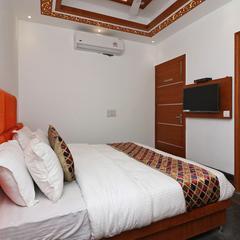 OYO 15183 Jjk Home Stay in Noida