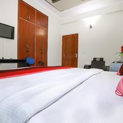Oyo 15447 City Hospitality in Noida