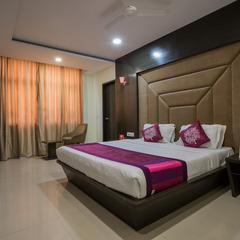 Capital O 1546 The Sensation Hotel in Indore