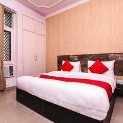OYO 15539 City Hut in Noida