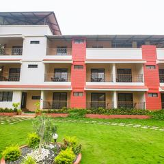 OYO 15553 Evergreen Holiday Home in Alibag