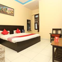 Capital O 15848 Hotel Mahajan Palace in Aligarh