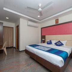 OYO 16595 Famous Residency in Tiruchirapalli