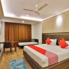 OYO 22254 Hotel Royal Square in Nadiad