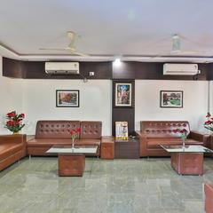 OYO 24135 Hotel Anand Inn Deluxe in Vapi