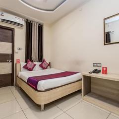 OYO 4042 Hotel Mehar Residency in Indore