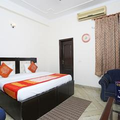 OYO 556 Hotel Avp Guest House in Noida