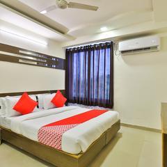OYO 5904 Hotel Midway Inn in Gandhinagar