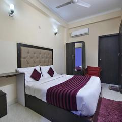 OYO 709 Hotel Cross Winds in Noida