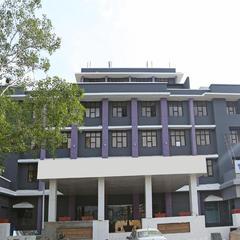 OYO 9180 Hotel Cosmopolitan in Devanhalli