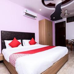 OYO Flagship 16044 Hotel 35th Avenue Sector 18 in New Delhi