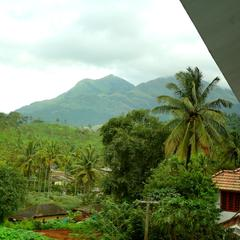 OYO Home 16963 Mesmerizing View 2bhk in Wayanad