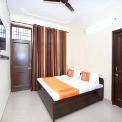 OYO Home Studios Gandhigram in Dagshai