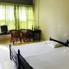 Paradise Tourist Home in Kondotti