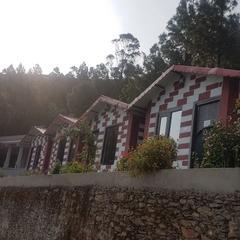 Pine Tree Resort Ghurdauri in Pauri