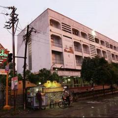 Premdan Hotel in Ahmadnagar