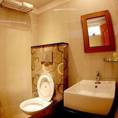 Roopmahal Premier Inn in Thiruvananthapuram