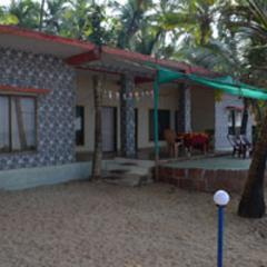 Salgaonkar Beach Resort in Malvan