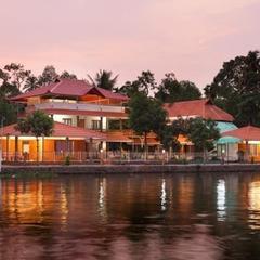 Shimpos Lake Bounty Resorts in Alappuzha
