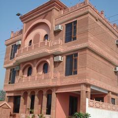 Siris 18 in Agra