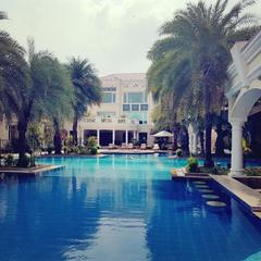 The Palms Town & Country Club in Gurgaon