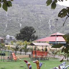 Twin Mountain Resort in Nashik