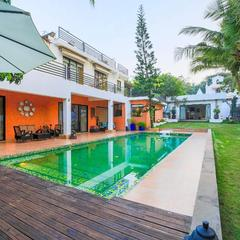 Luxurious 4-br Pool Villa With A Butler Service in Nerul