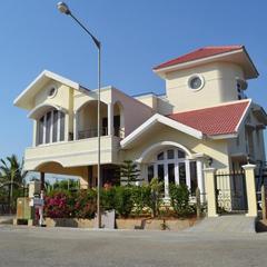 Menezes Luxury Service Villa in Bengaluru