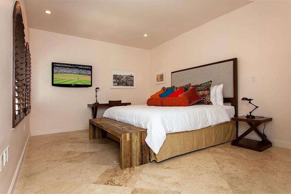 Hotel Barcelona In Miami Beach