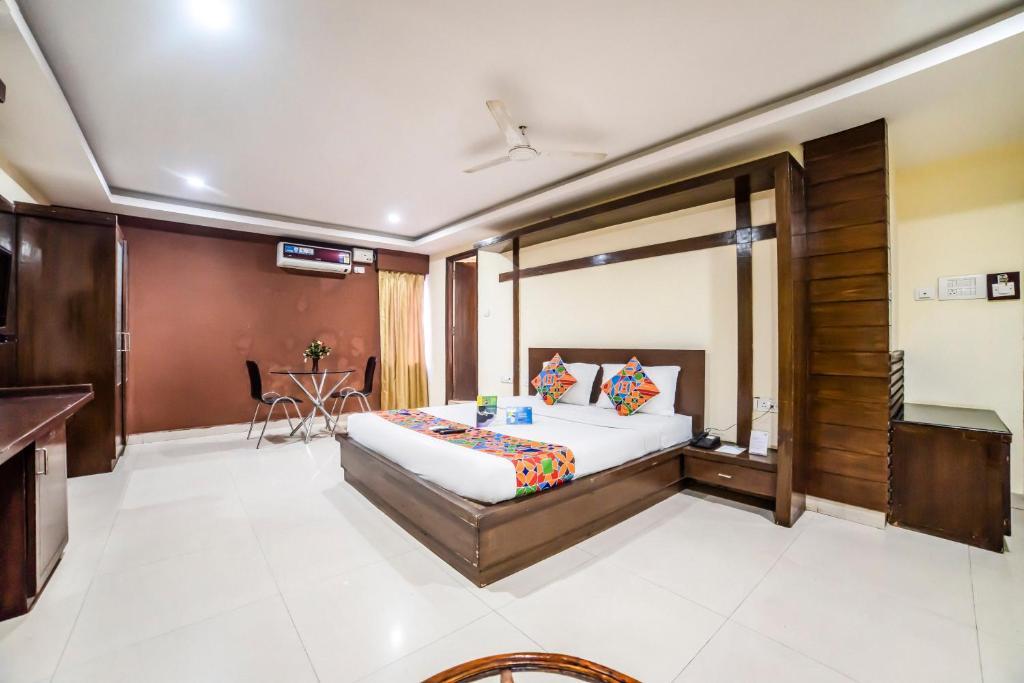 Fabhotel Royal Residency Lakdikapul Hyderabad Reviews Photos