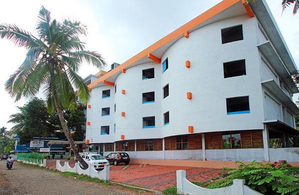 oval retreat palace hotel cochin reviews photos prices check in rh ixigo com