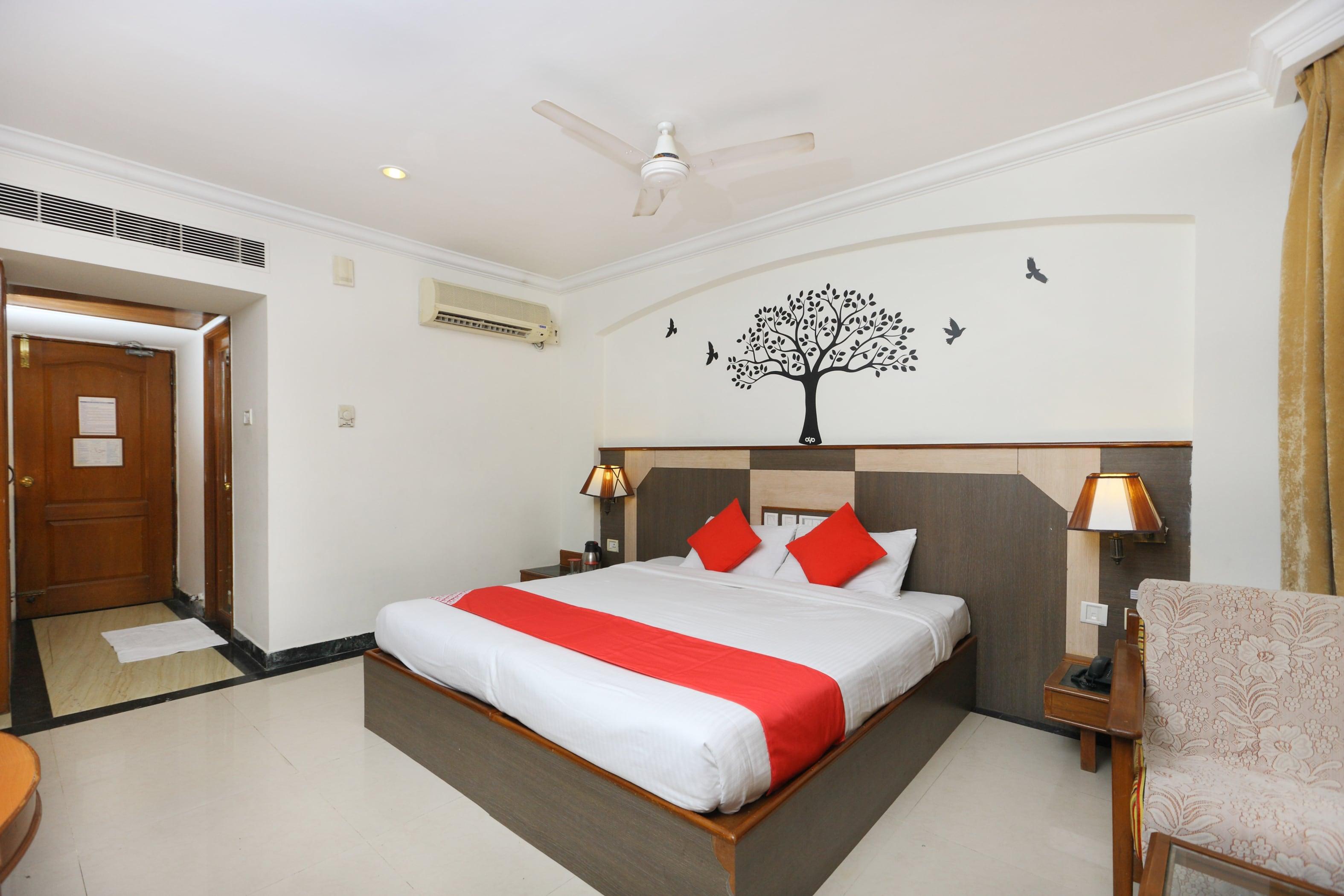 220 - Hotels near Tirumala Venkateswara Temple Tirupati @ ₹669