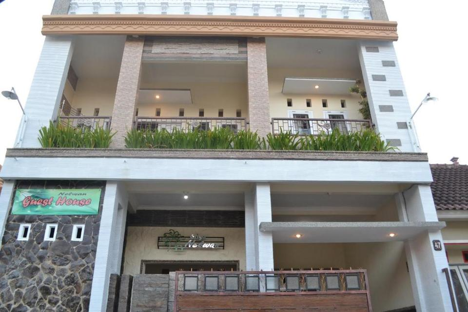 Griya Nelwan Guest House Hotel Malang Reviews Photos Prices Check In Check Out Timing Of Griya Nelwan Guest House Hotel More Ixigo