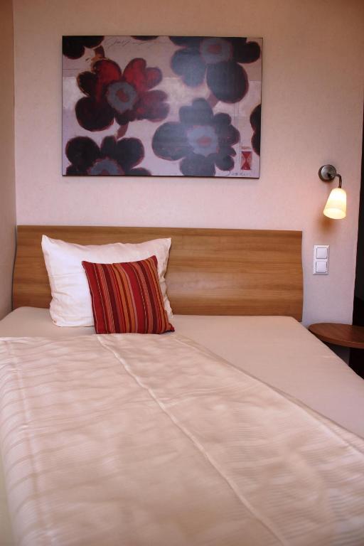 Hotel R Mischer Kaiser Bernkastel Kues Reviews Photos Prices