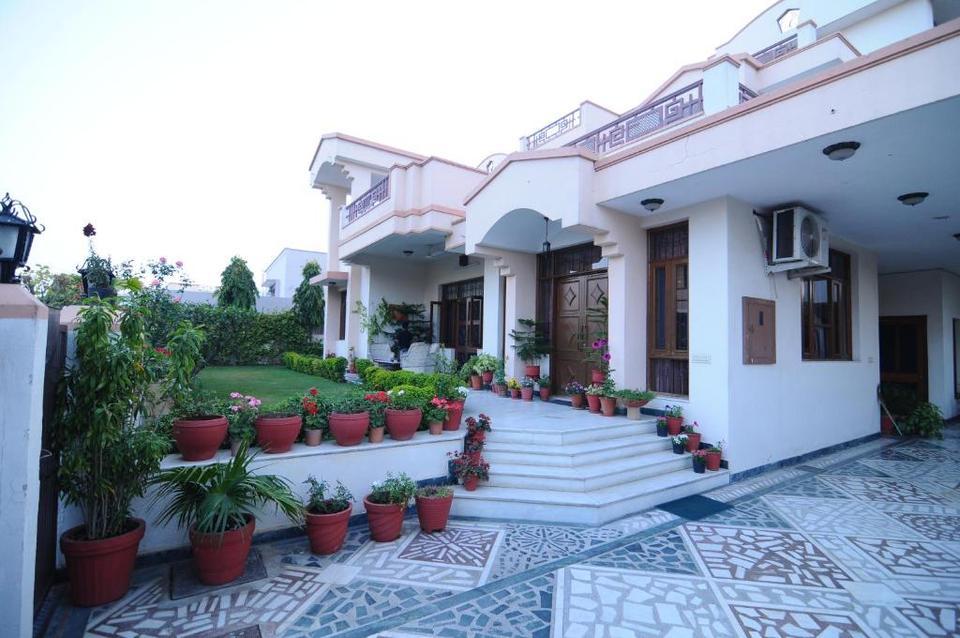 Friendly Villa Hotel Jaipur Reviews Photos Prices Check In Check