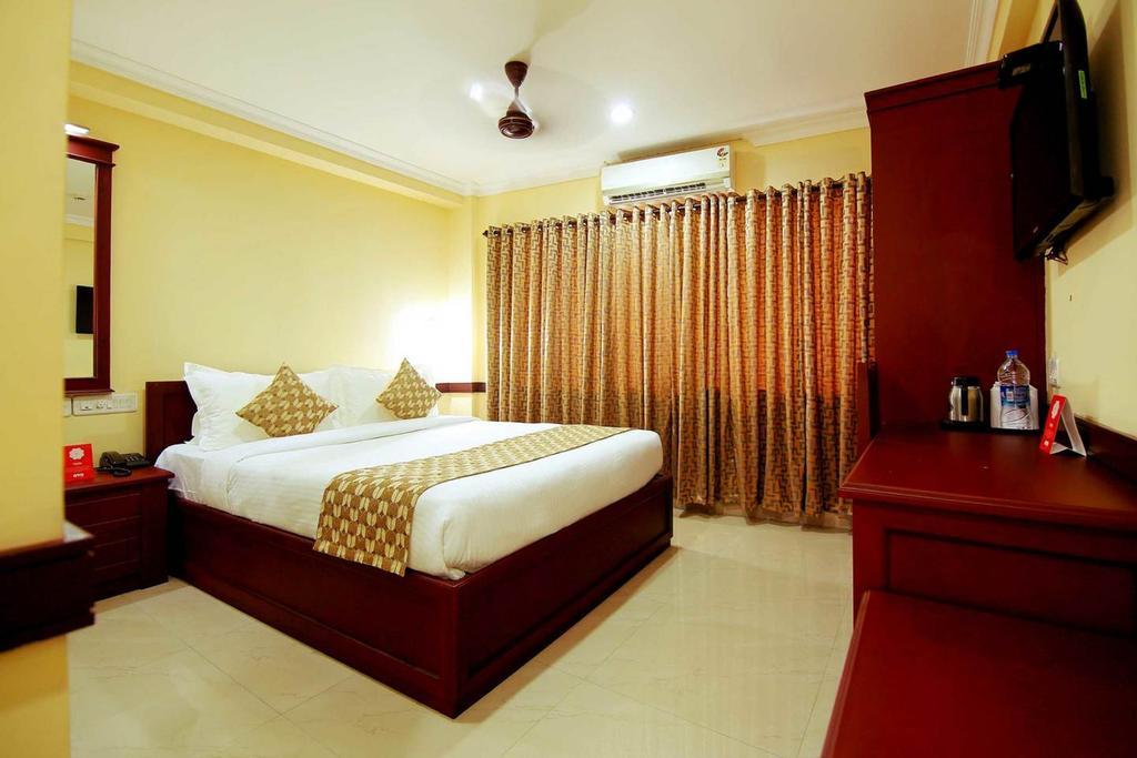 Stupendous My Atithi Crown Hotel Cochin Reviews Photos Prices Check Interior Design Ideas Apansoteloinfo