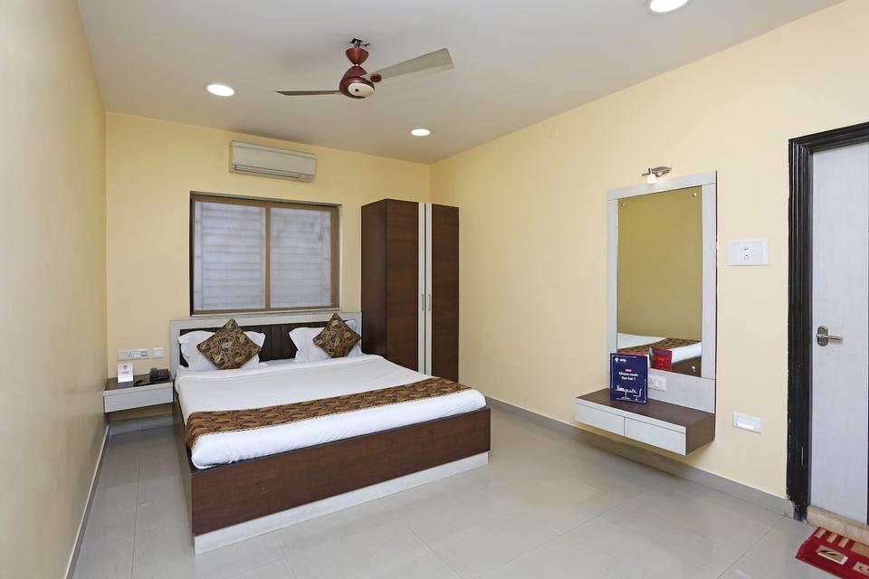 Oyo 987 Hotel Pawan Putra Kolkata Reviews, Photos, Prices  Check-in