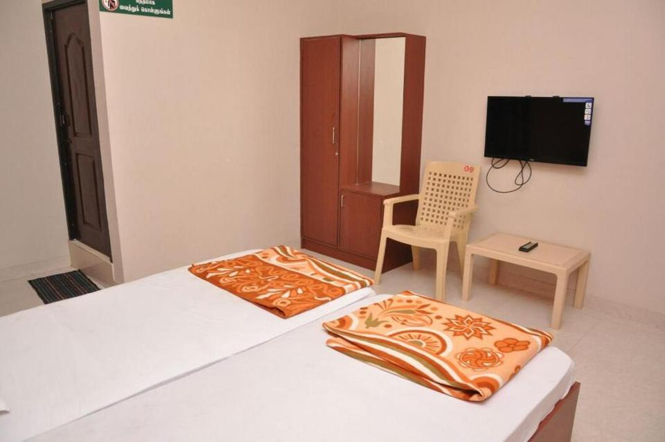 srilaya guest house hotel vellore reviews photos prices check in rh ixigo com
