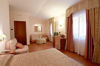 Hotel Ristorante Le Terrazze Sul Gargano San Giovanni Rotondo ...
