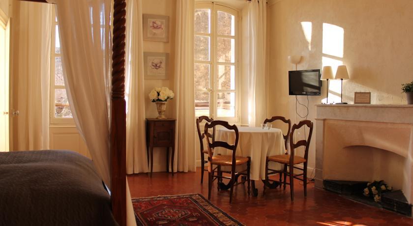 les maisons du midi hotel ibis golfe de saint tropez with. Black Bedroom Furniture Sets. Home Design Ideas
