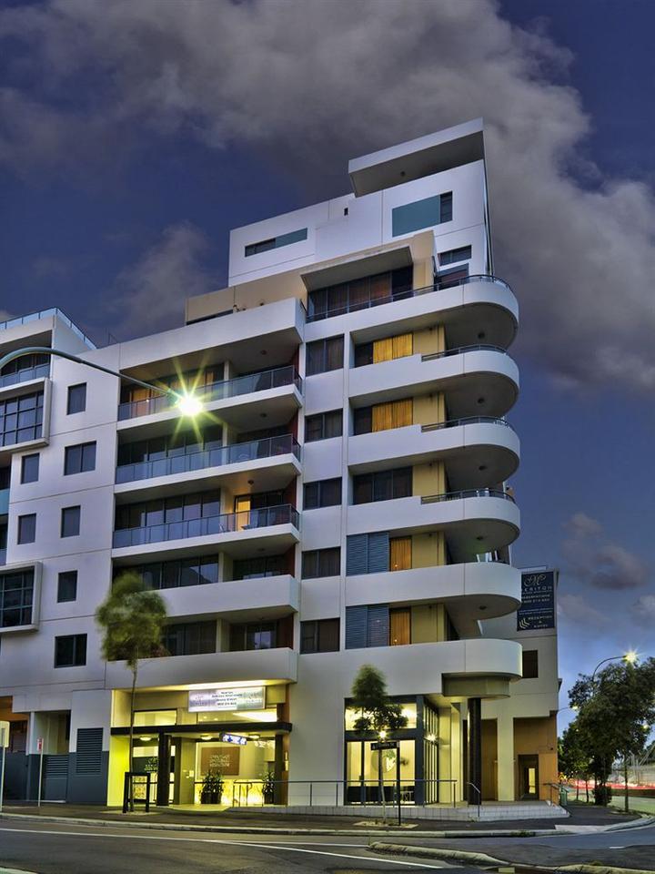 Meriton Serviced Apartments   Danks Street In Sydney
