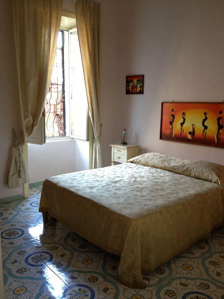 Soggiorno Elia Hotel Napoli - Tariff, Reviews, Photos, Check In - ixigo