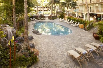 Courtyard Waikiki Beach