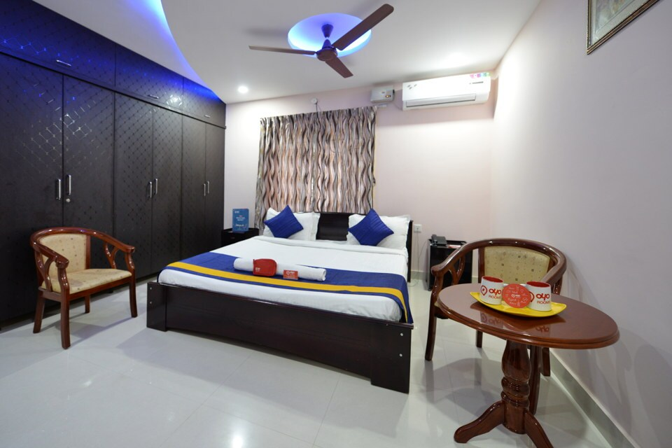 OYO Apartments Cyber Towers