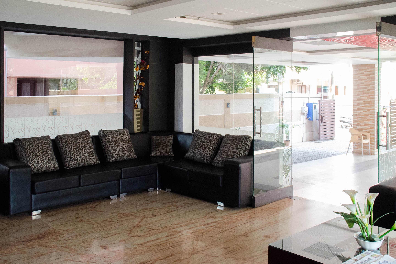 OYO Apartments Gandhipuram Bus Terminus
