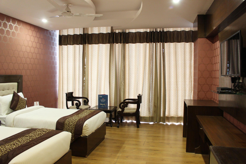 OYO Premium Luxurious Doon
