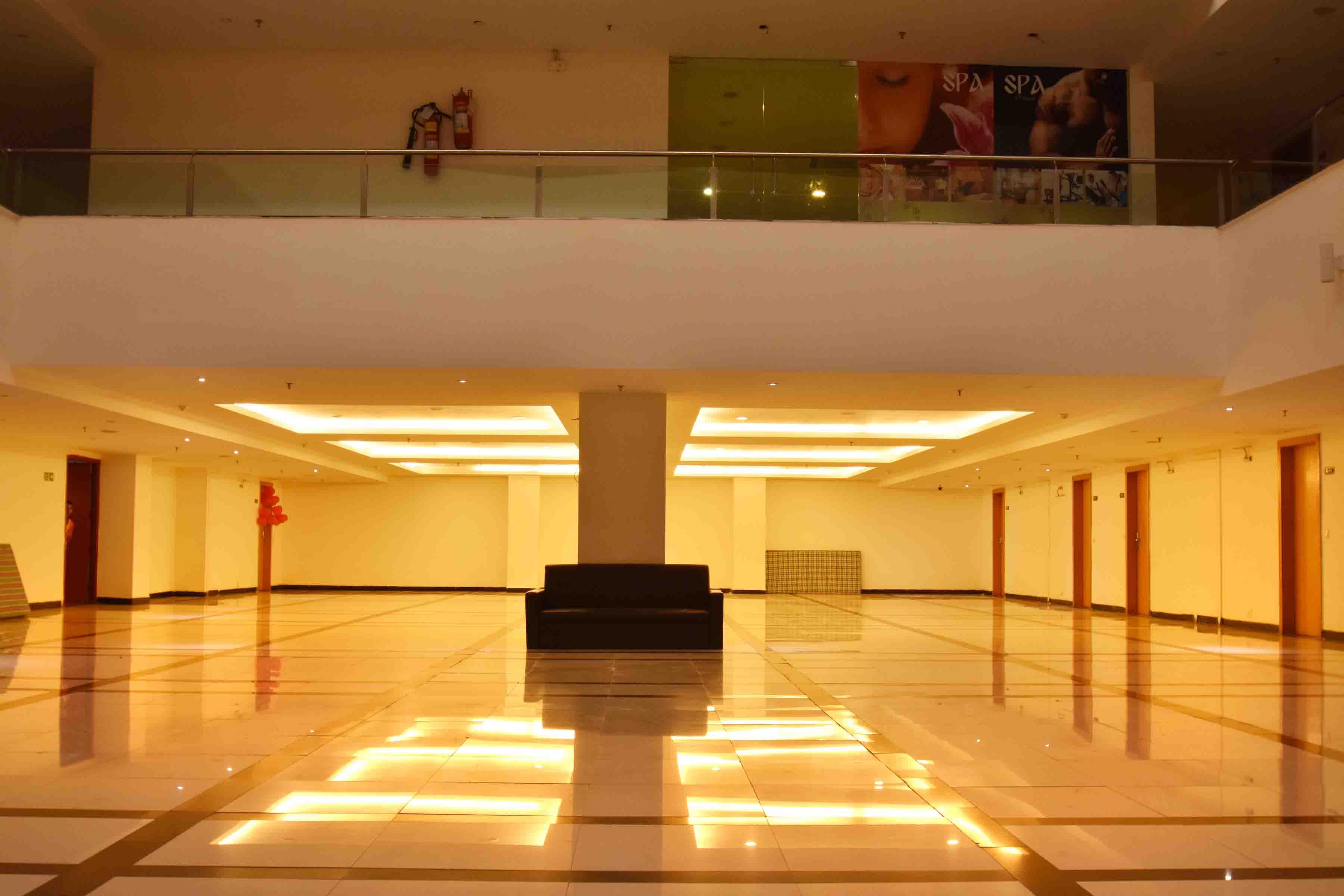 OYO Premium Vijaynagar Square